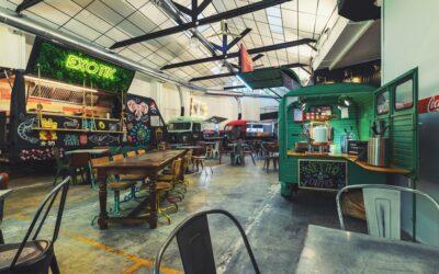 Abre en Valencia El Garaje, un antiguo taller de los 60 convertido en un garaje gastronómico
