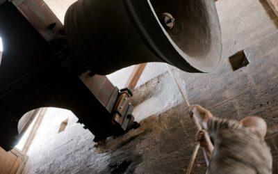 """El toque de queda o de """"tancament de muralles"""" suena cada día en la Catedral de Valencia"""