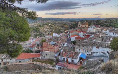 Descubre Teresa de Cofrentes, un paseo por sus encantos y rutas para hacer