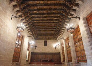 Sala principal del Consulado del Mar de la Lonja de Valencia. Foto de Menta Valencia