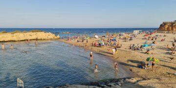 Foto de la Cala Capitán y la Isla del Carmen. Foto valenciabonita.es
