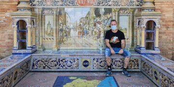 Valencia en la Plaza de España de Sevilla. Foto valenciabonita.es