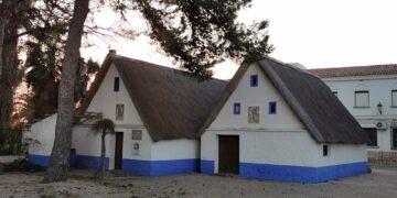 Barracas de la Escuela de Capataces Agrícolas del puerto de Catarroja. Foto valenciabonita.es